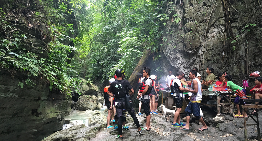 Canyoning aux Philippines.