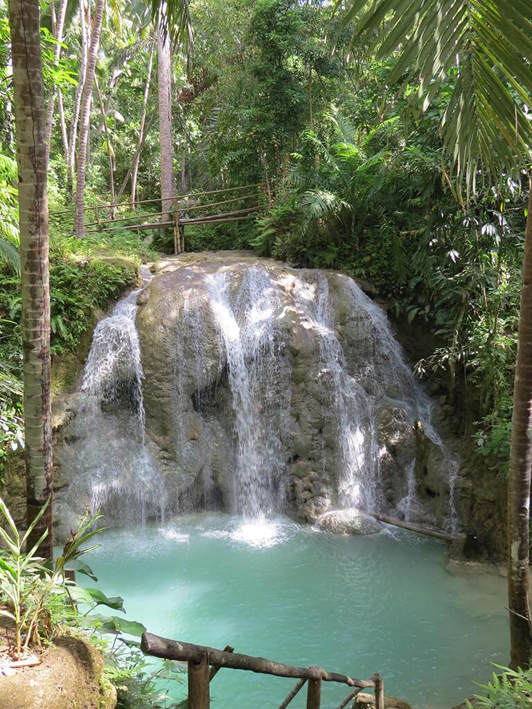 Chutes d'eau au Philippines