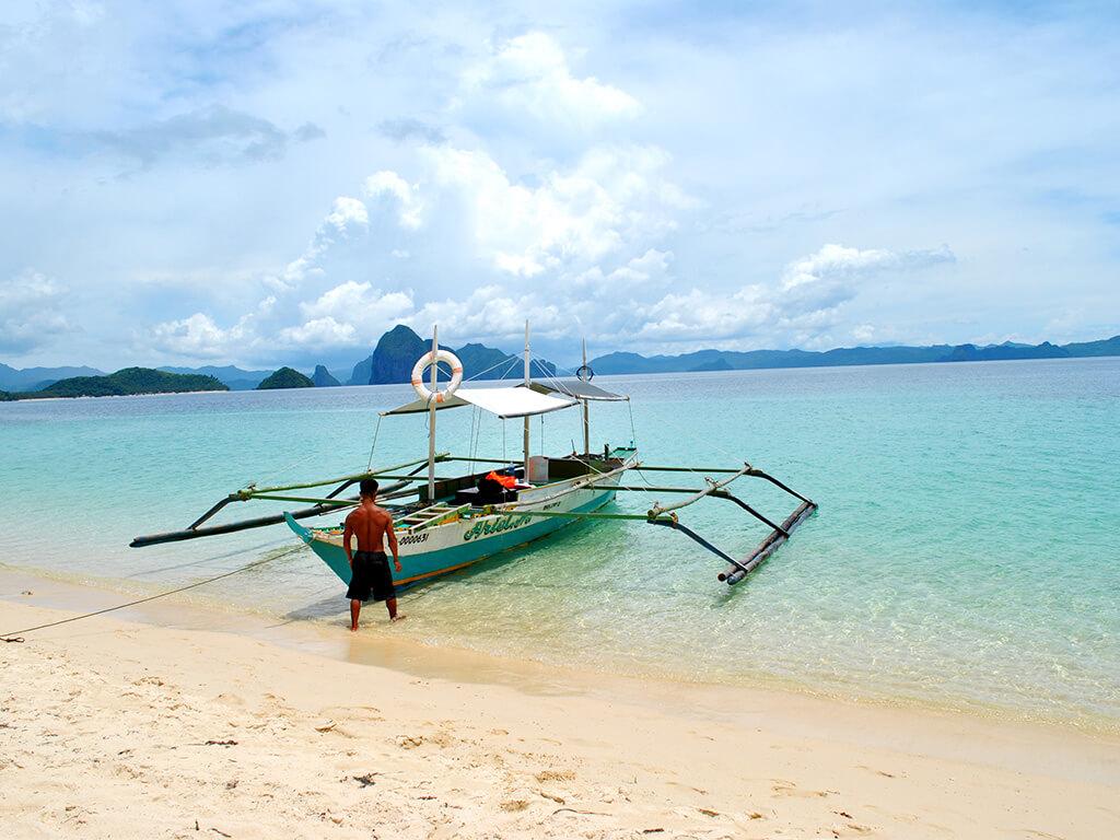 Barque à Palawan, Philippines.