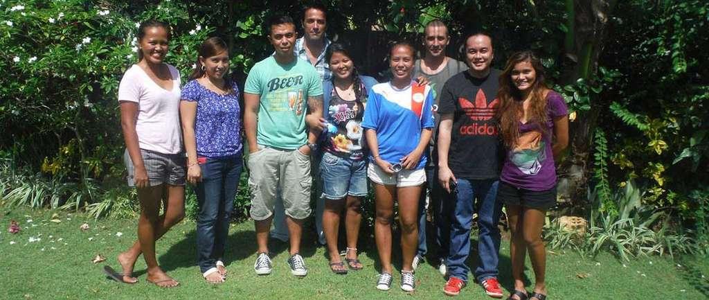L'équipe de l'agence Philippines Autrement au complet.